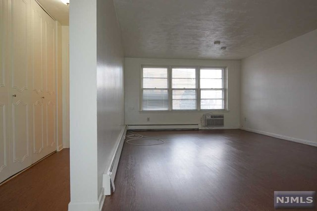 174 S Maple Avenue