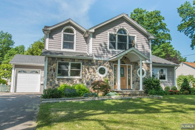 86 Radburn Road, Glen Rock, NJ 07452