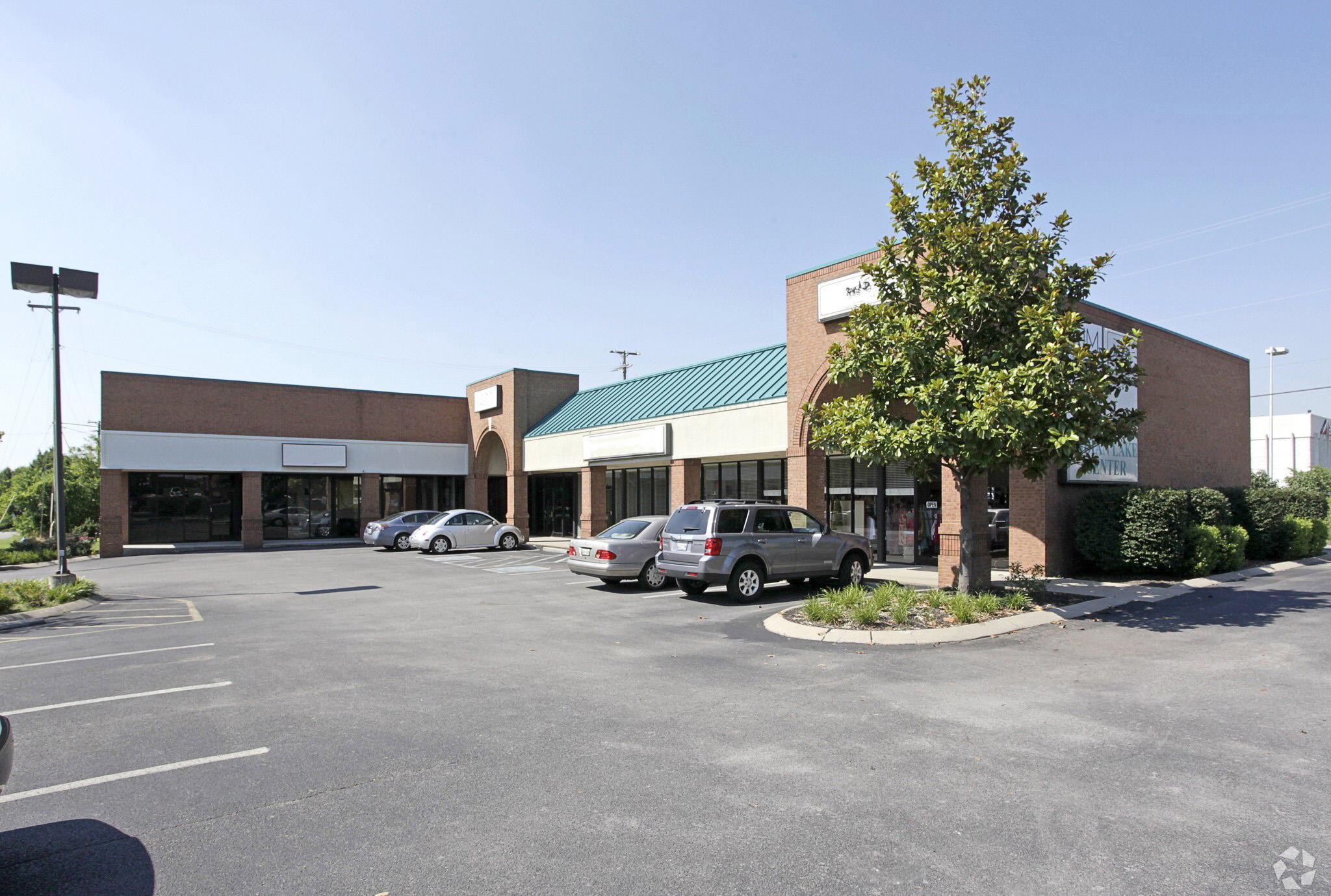 240 E Main Street, Hendersonville, TN 37075