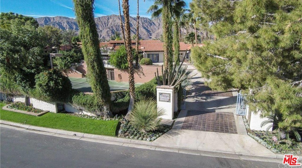 49561 AVILA Drive, La Quinta, CA 92253