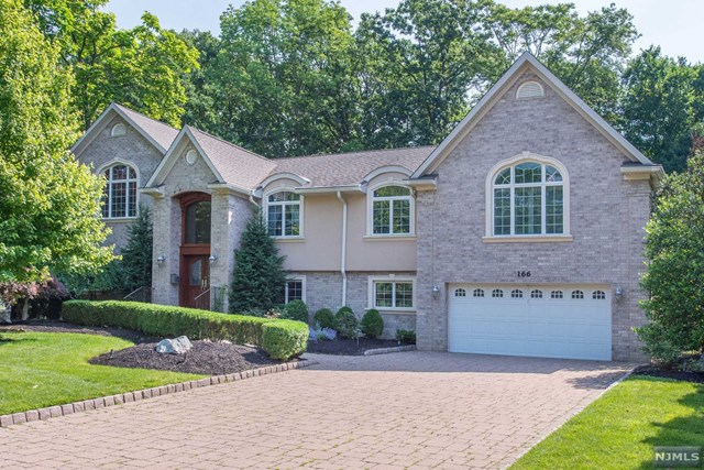 166 E Lake Drive, Wayne, NJ 07470