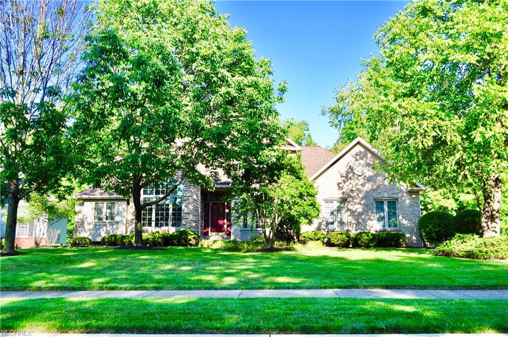 5655 Hartshire Dr, Willoughby, OH 44094