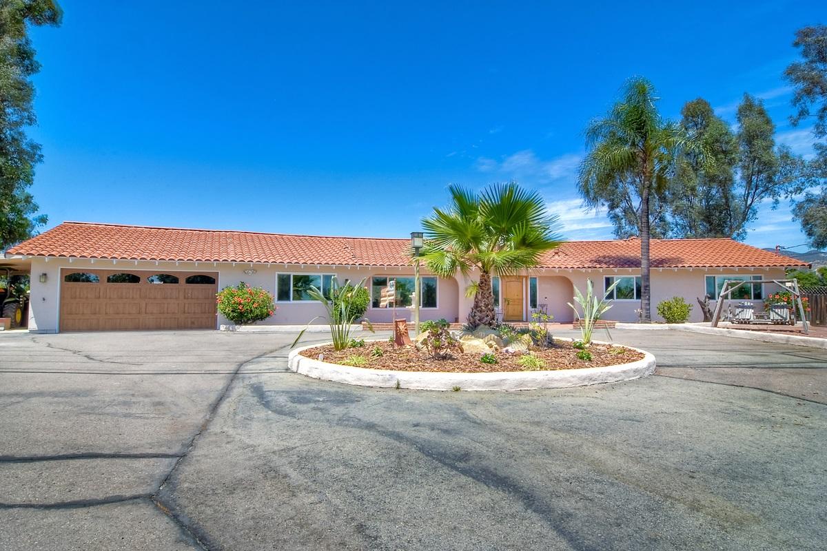 3060 Mountain View, Escondido, CA 92027