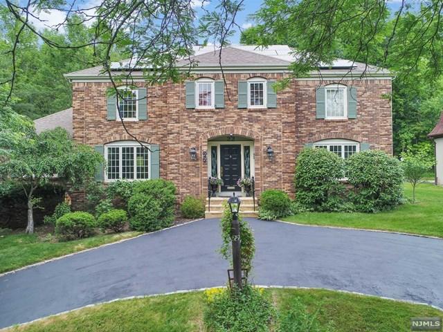22 Bruce Path, Millburn, NJ 07078