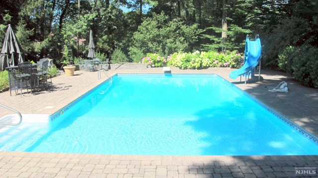 939 Huron Road, Franklin Lakes, NJ 07417