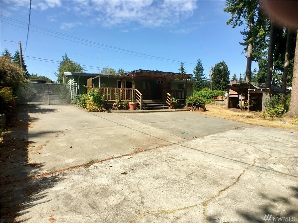 7523 Lower Ridge Rd, Everett, WA 98203