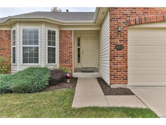 14703 Ladue Bluffs Crossing Drive, Chesterfield, MO 63017