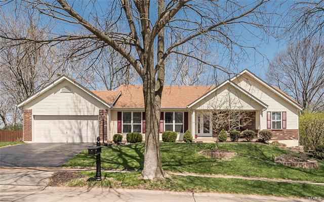 14817 Grantley Drive, Chesterfield, MO 63017