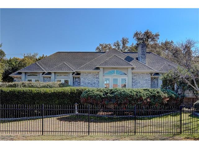 One of a kind lot! Golfer Paradise. Custom swimming pool. Beautiful fenced and gated 3/2/3, 2620 sq ft one story. 30+ mature oaks , 3 car detached garage with 310 sqft 1 bed/1 bath guest house, sqft is not part of the original 2620 of the main house. Enjoy the large heated swimming pool, waterfall, pool cabana with bar and full bath. Enjoy your own private putting and driving range alone with the 3 storage units. Home has 3 fireplaces including one in the master. Lot behind pool conveys.