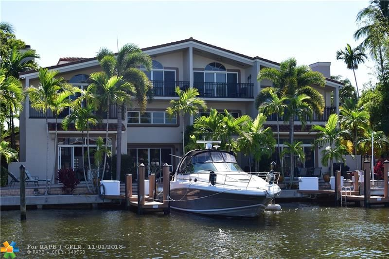 """STUNNING MULTI-LEVEL WATERFRONT TOWNHOME BOATERS PARADISE FEATURES IMPECCABLE INTERIOR AND FINISHES THAT WILL KEEP YOU DREAMING ABOUT THIS PERFECT LIFESTYLE.  INTERIOR OFFERS 24' X 24"""" MARBLE IN LIVING AREAS, BRAND NEW POSH CARPET UPSTAIRS, SPECTACULAR OVERSIZED KITCHEN W/EXPRESSO CABINETS, PULL OUTS, & QUARTZ COUNTERS, GORGEOUS BATHS WITH MOUNTED VANITIES & DOUBLE SINKS, AND VIEWS TO TAKE YOUR BREATH AWAY.  SPACIOUS MASTER BEDROOM SUITE FEATURES WATERFRONT BALCONY, SPECTACULAR MASTER BATH W/TREMENDOUS JACUZZI TUB AND SEPARATE SHOWER ALL WRAPPED IN MARBLE, & ACCESS TO BONUS ROOM AT ROOF TOP LEVEL WITH PRIVATE ROOF TOP SUNDECK.  OTHER UPGRADES INCL. FROSTED GLASS INTERIOR DOORS & ORGANIZED CLOSETS. DOCKSIDE POOL WELCOMES BOATERS AFTER A DAY ON THE WATER. DOCKAGE FITS 40 FOOT BOAT.  TURN KEY"""