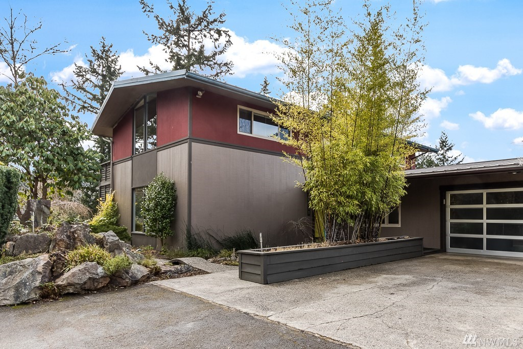 19311 45th Ave NE, Lake Forest Park, WA 98155