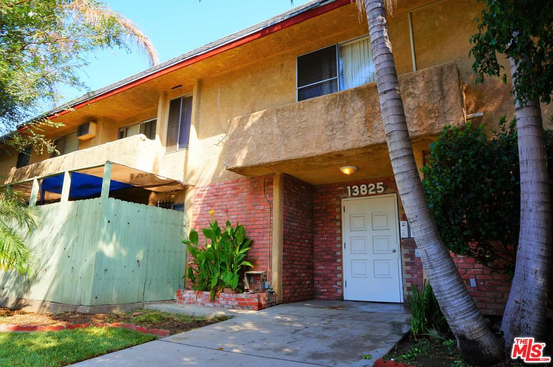 13825 VANOWEN Street, Los Angeles (City), CA 91405
