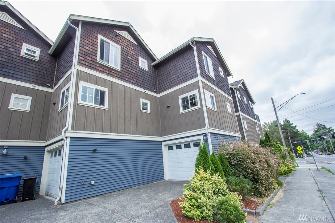 4705 Sand Point Wy NE, Seattle, WA 98105