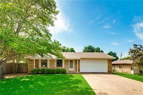 808 Lamar Drive, Euless, TX 76039