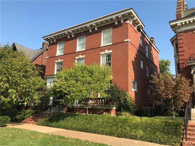 55 Maryland Plaza, St Louis, MO 63108