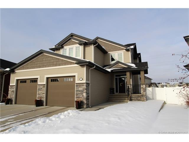 32 Valley Green, Red Deer, AB T4R 0M8