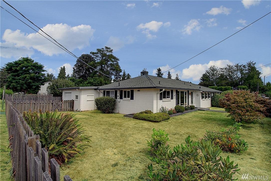 1424 SW 114th St, Seattle, WA 98146