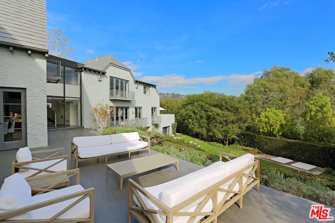 1020 RIDGEDALE Drive, Beverly Hills, CA 90210