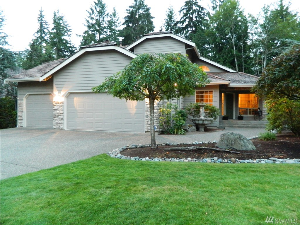 7088 SW Dundee Ct, Port Orchard, WA 98367