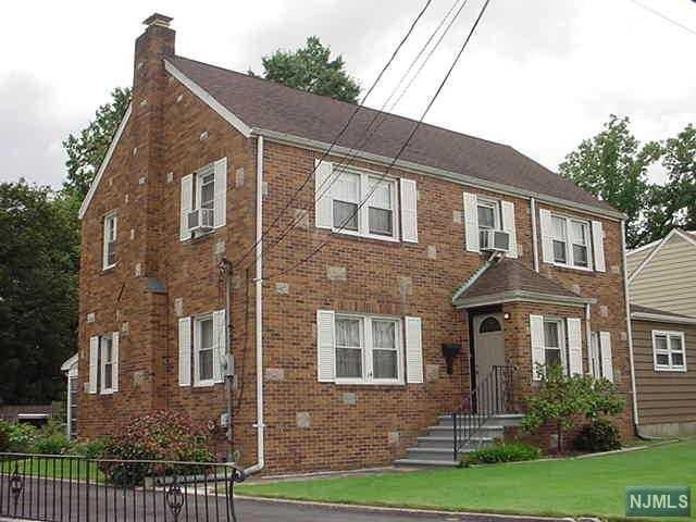 14 Sterling Place, Saddle Brook, NJ 07663