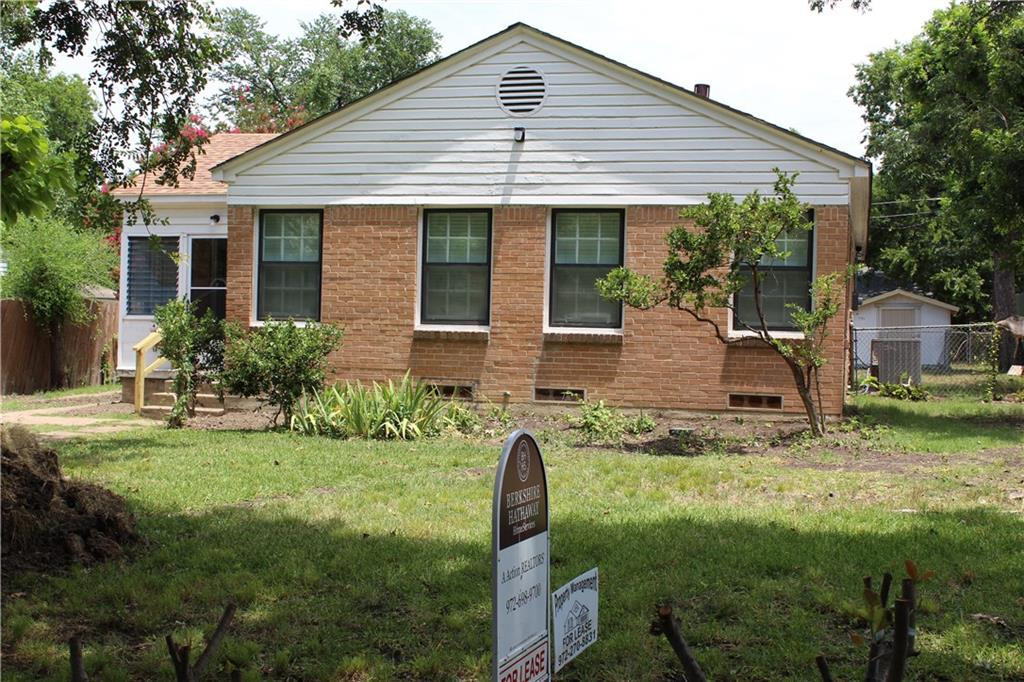 Centrally located, five miles to White Rock & downtown, walk to two parks. Enjoy a 6 X 9 screened, hurricane paneled front porch! Back yard has 16 X 17 covered patio! Feeling it yet?  And no where to note in room sizes there is a builtin 5 X 3 computer desk in the kitchen area. All flooring except kitchen & breakfast area is original hardwood flooring.  There is a central foyer type area as well.  Master bedroom has two closets.  One can use either a gas or electric dryer.  Only appliance landlord supplies is the range.  Quiet peaceful Parkdale area.  Don't hesitate too long or this golden opportunity will be gone to someone else.  2 bldgs fenced at back are storage for owner-separate entry only during daytime.
