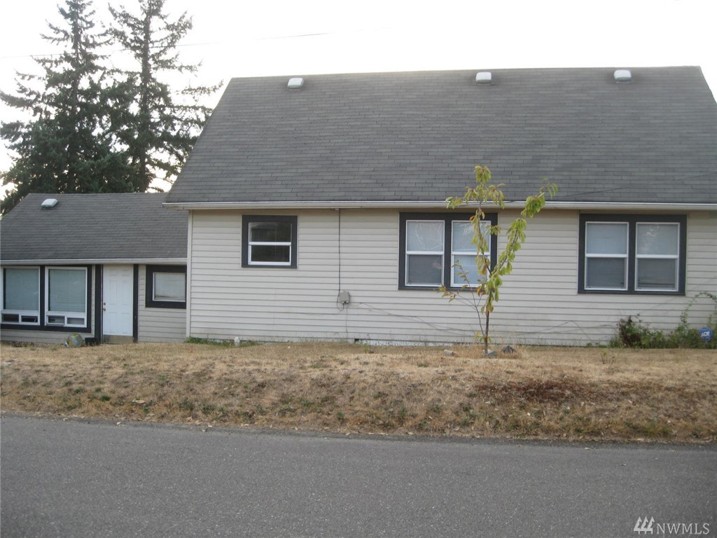 1802 37 St S, Tacoma, WA 98418