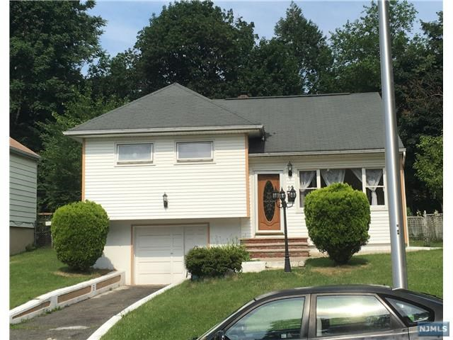 10 Lackawanna Place, Passaic, NJ 07055