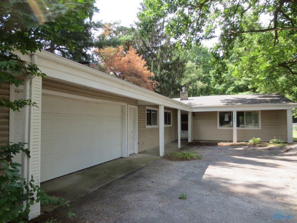 2339 Tremainsville Road, Toledo, OH 43613