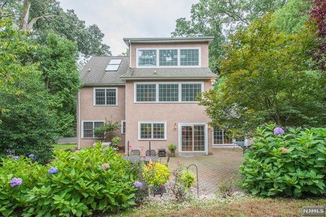121 Ridgeview Place, Boonton Town, NJ 07005