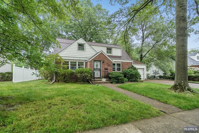 15-15 Radburn Road, Fair Lawn, NJ 07410