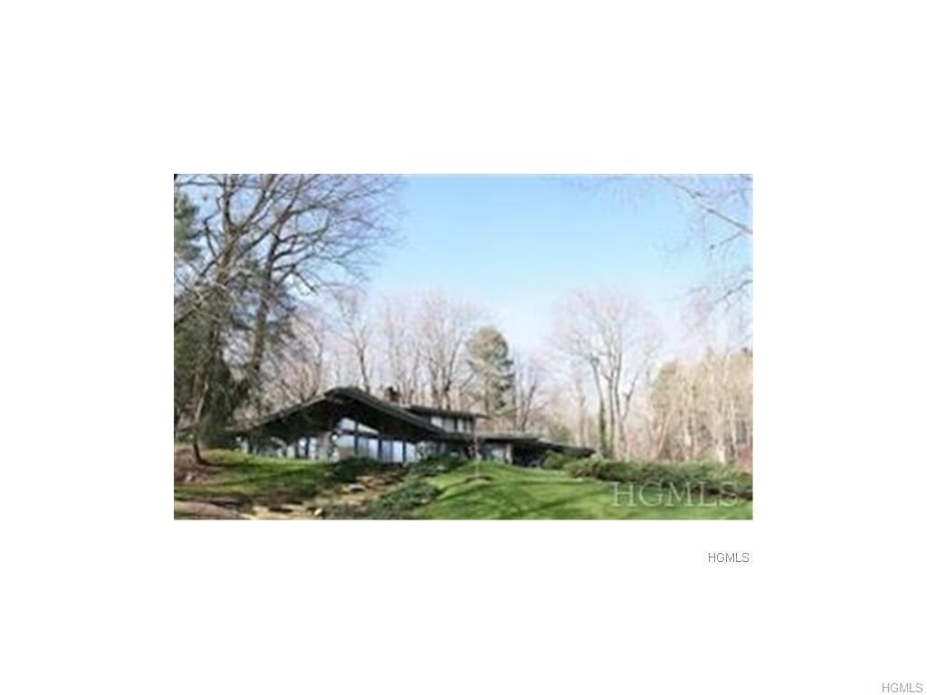 Amazing contemporary rental in Armonk with Byram Hills SD. The Bird House has soaring walls of glass overlooking Gifford Pond. You may get lucky & see some of the large turtles that live there. House is in perfect condition. Organic, fence-protected vegetable & flower garden. Newer Subzero refrigerator. Newer W/D. House is available for 9/1/17. Pool maintenance & landscaping included. Tenant to pay for snow removal. Additional maid's room w/Murphy bed. Central vacuum. Natural gas. Lease must expire on 2/28/18, although a tenant could extend to 6/30/18-negotiable.