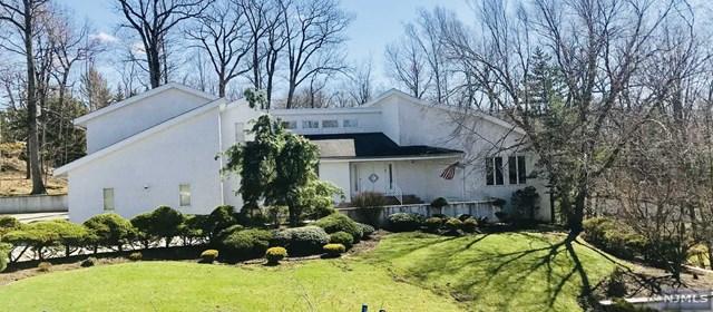 8 Tiffany Court, Cedar Grove, NJ 07009