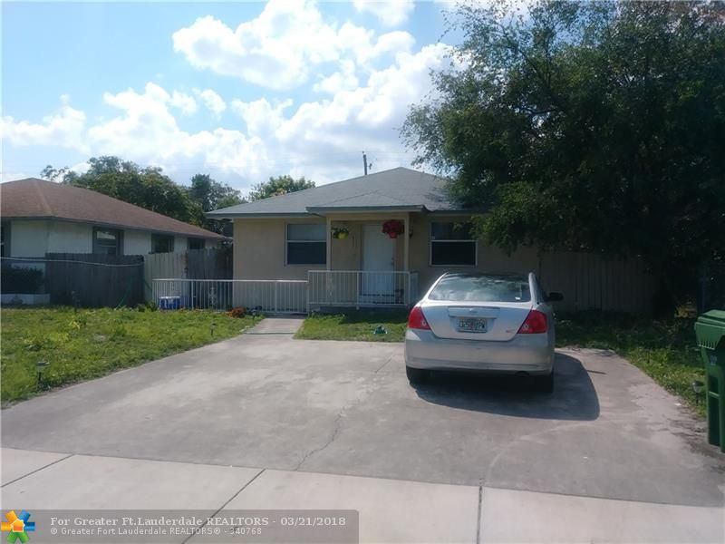 Wow walking distance to Fort Lauderdale city This property is tenant occupied, tenant has been here for 4 years now, lease expires on 01/19/2019 . Buy and make money right away. Please do not disturb tenant. Property rented at $1200