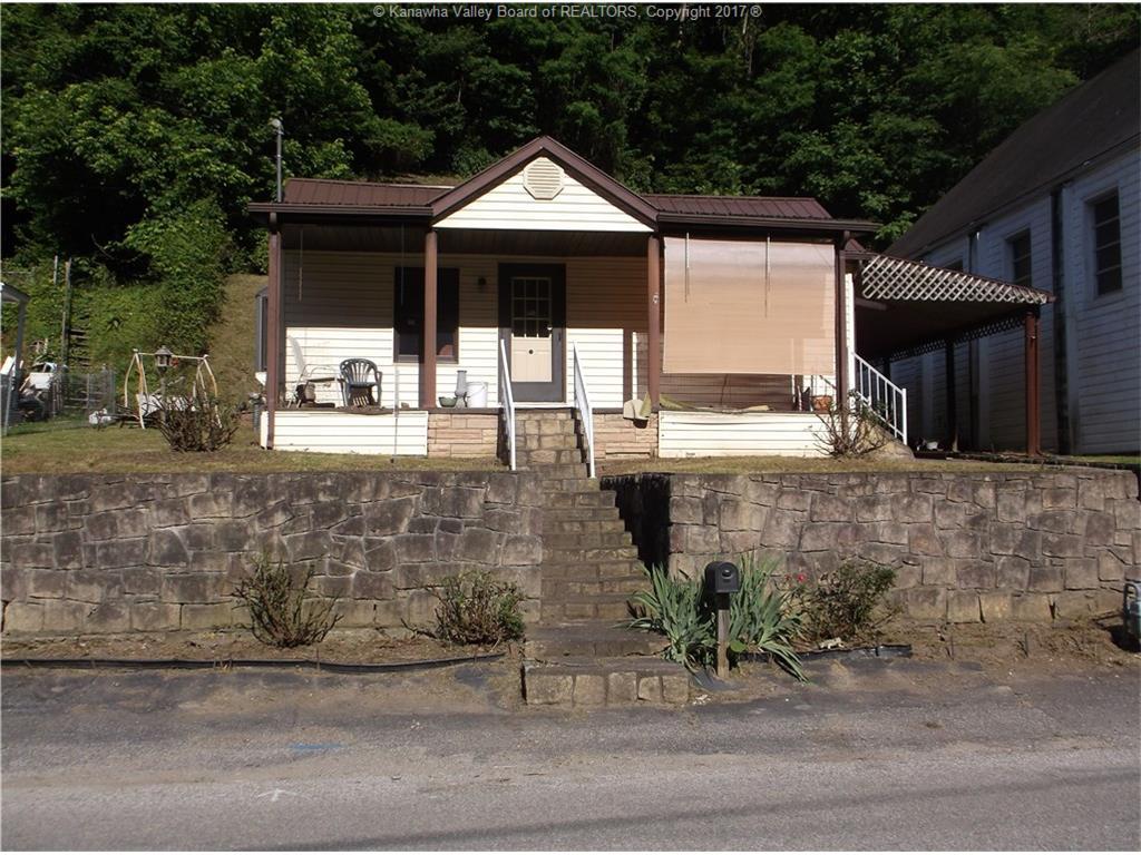663 Georges Drive, Charleston, WV 25306