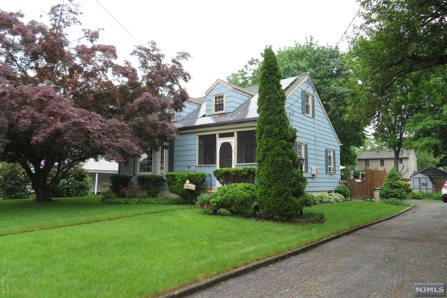 723 Colfax Avenue, Pompton Lakes, NJ 07442