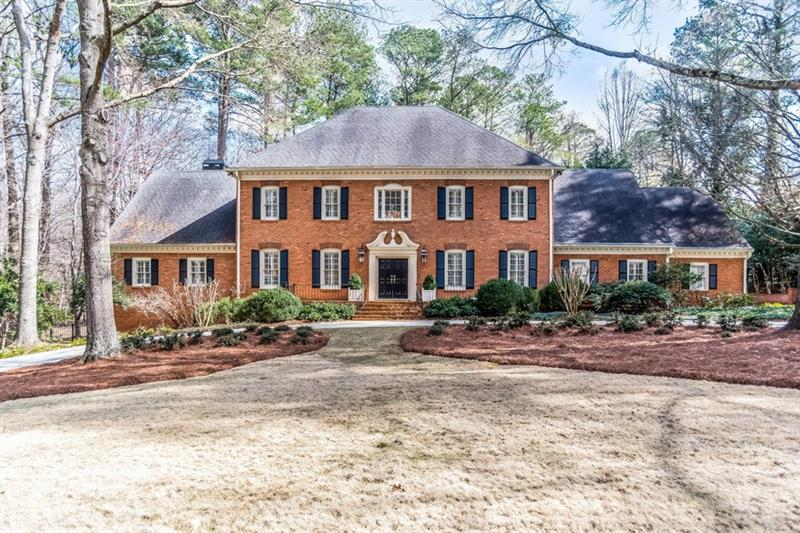 1525 Misty Oaks Drive, Atlanta, GA 30350