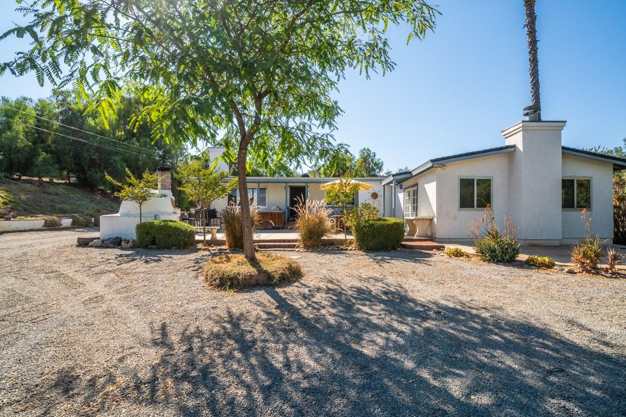 11064 Green Oaks Rd, Lakeside, CA 92040