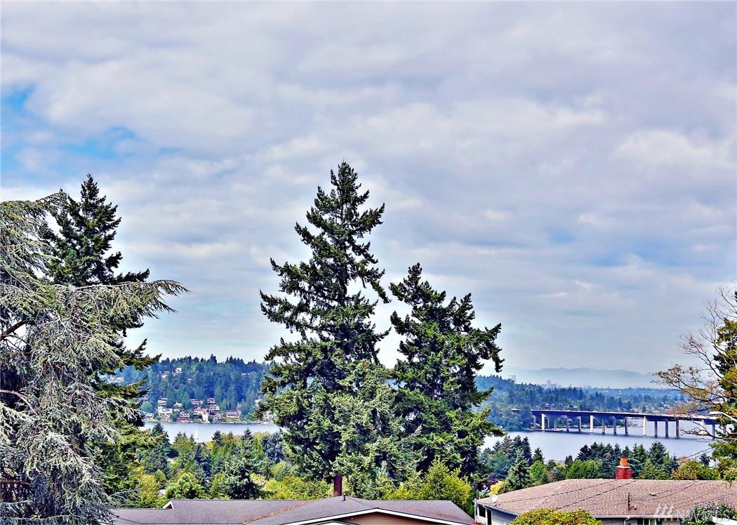 12014 SE 42nd Ct, Bellevue, WA 98006