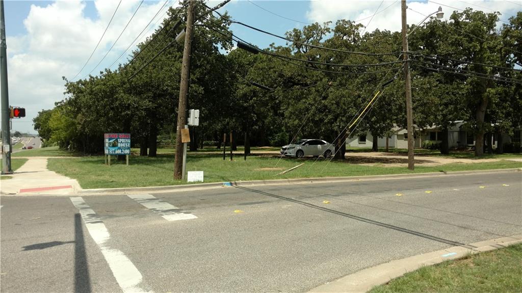 400 W Hurst Boulevard, Hurst, TX 76053