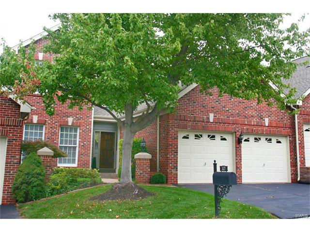327 Woods Mill Terrace Lane, Chesterfield, MO 63017