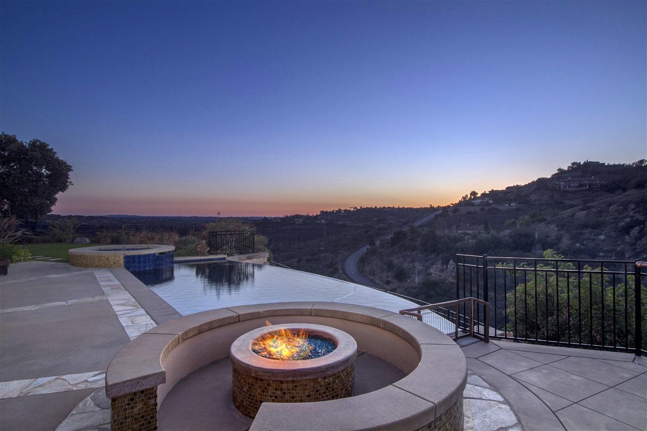 8318 Via Dora, Rancho Santa Fe, CA 92067