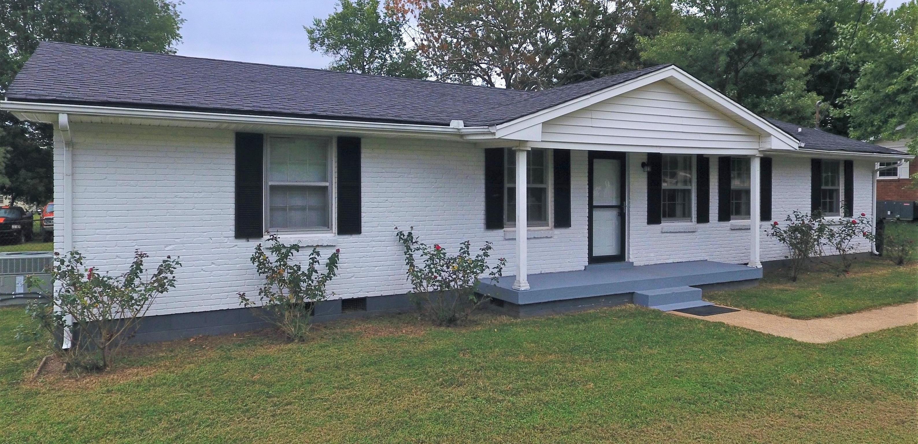 206 Elnora Dr, Hendersonville, TN 37075