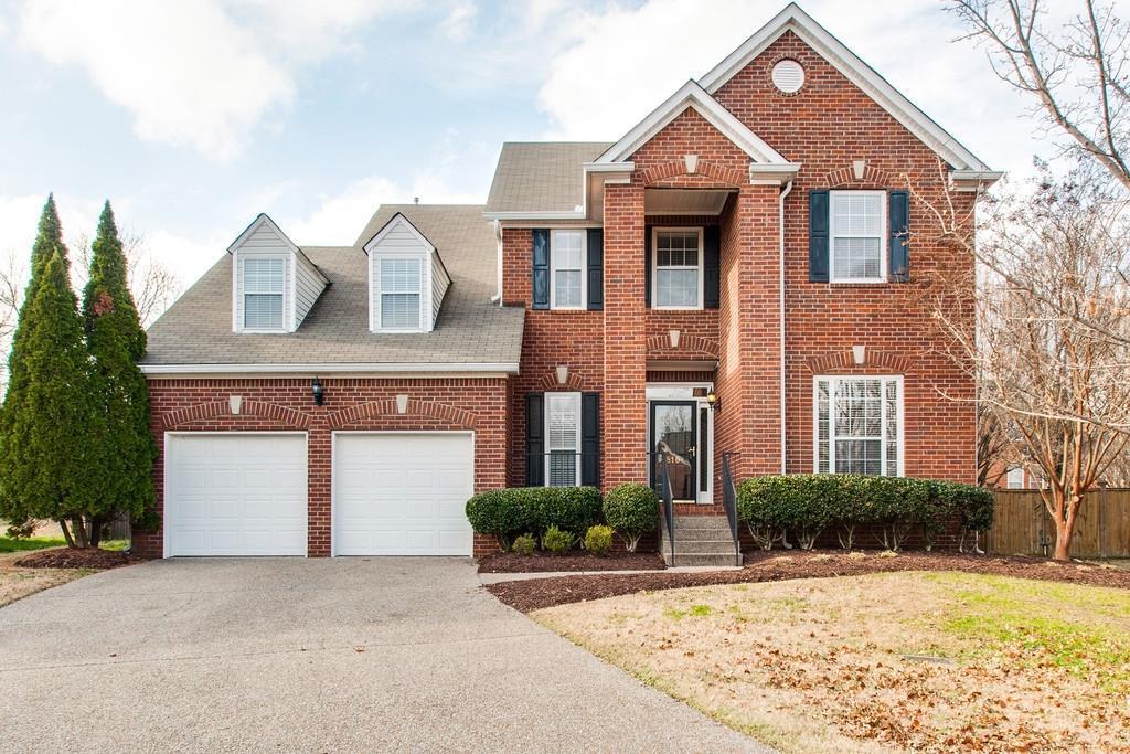 816 Meadow Ridge Ct, Nashville, TN 37221