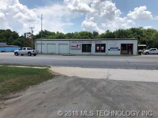 Location, Location, Location!!!!  This commercial property sits right on HWY 69/75 in the middle of Atoka with very easy on and off access.