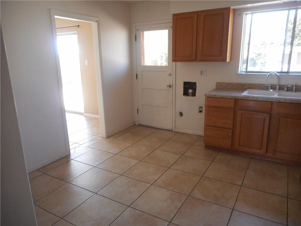 Homes for rent near fort bliss in west el paso 1000 to 1500 434 de soto avenue el paso tx 79912 dailygadgetfo Images