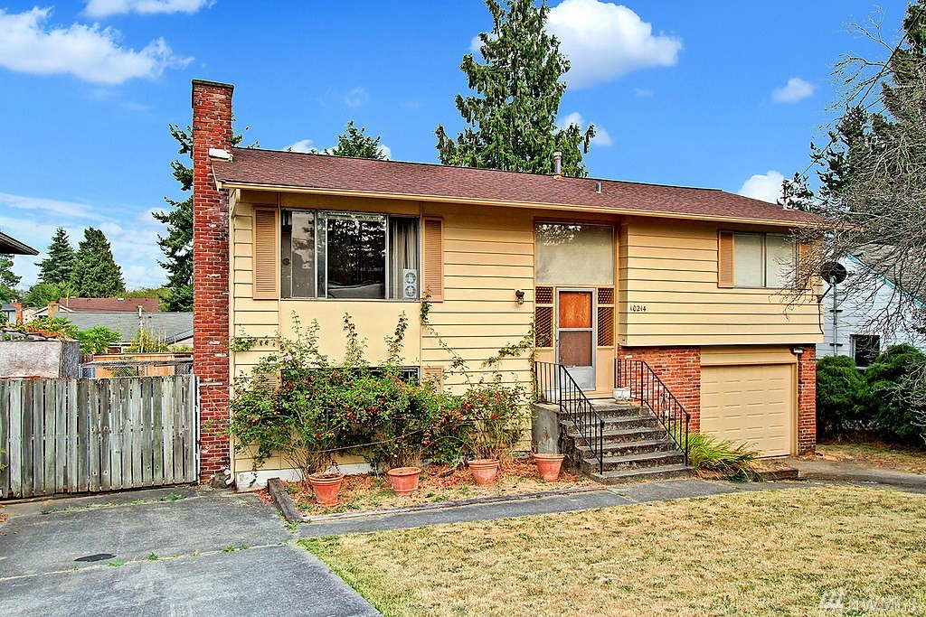 10214 38th Ave SW, Seattle, WA 98146