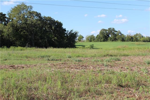 15 ACRES / NO RESTRICTIONS BRING YOUR BUILDER AND BUILD YOUR FUTURE HOME IN THIS BEAUTIFUL  LAND. MINUTES AWAY FROM ELGIN DOWNTOWN, HWY 290 AND FM 969. BEAUTIFUL PANORAMIC VIEWS!!! LAND HAS LOTS OFFERS LOTS OF MATURE TREES.