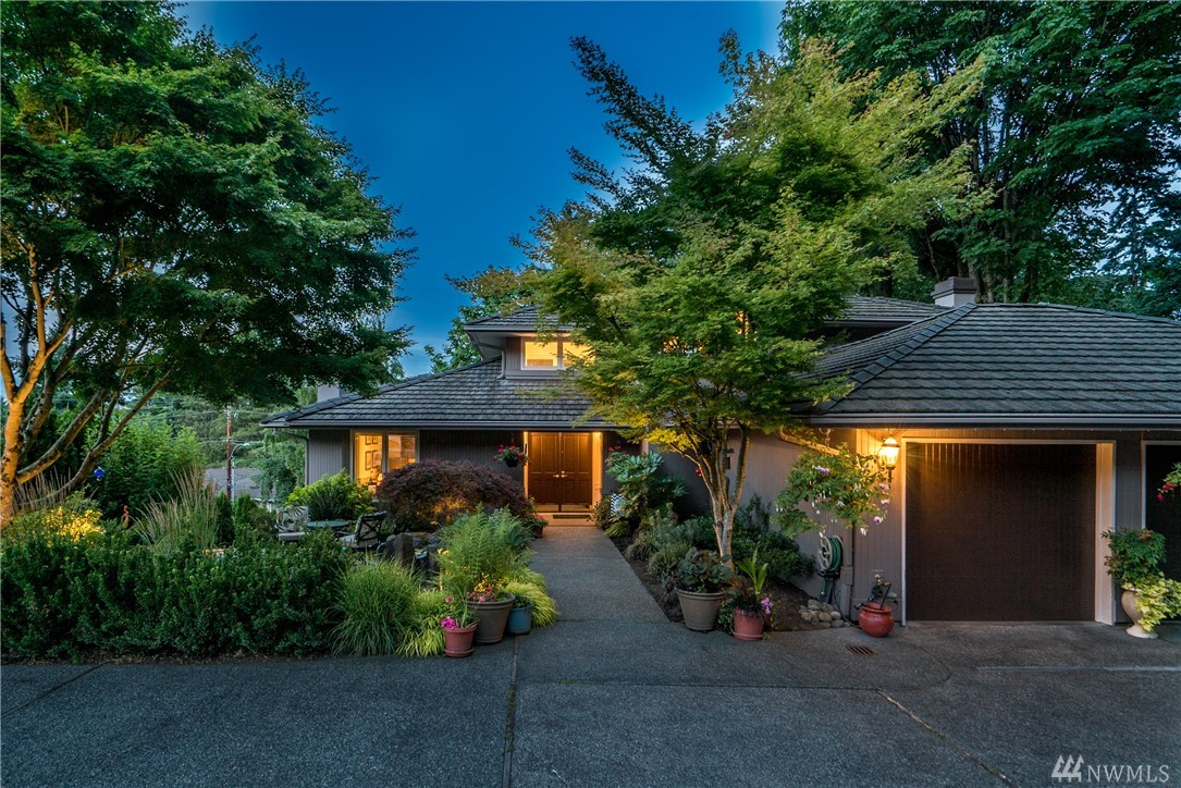 7066 92nd Ave SE, Mercer Island, WA 98040