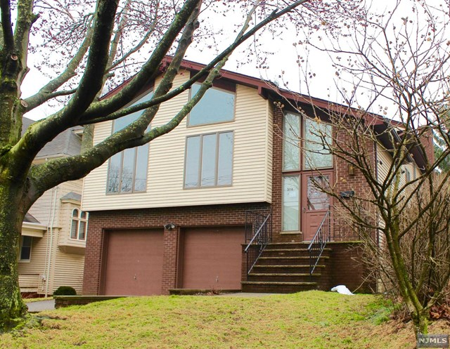 314 Division Avenue, Hasbrouck Heights, NJ 07604