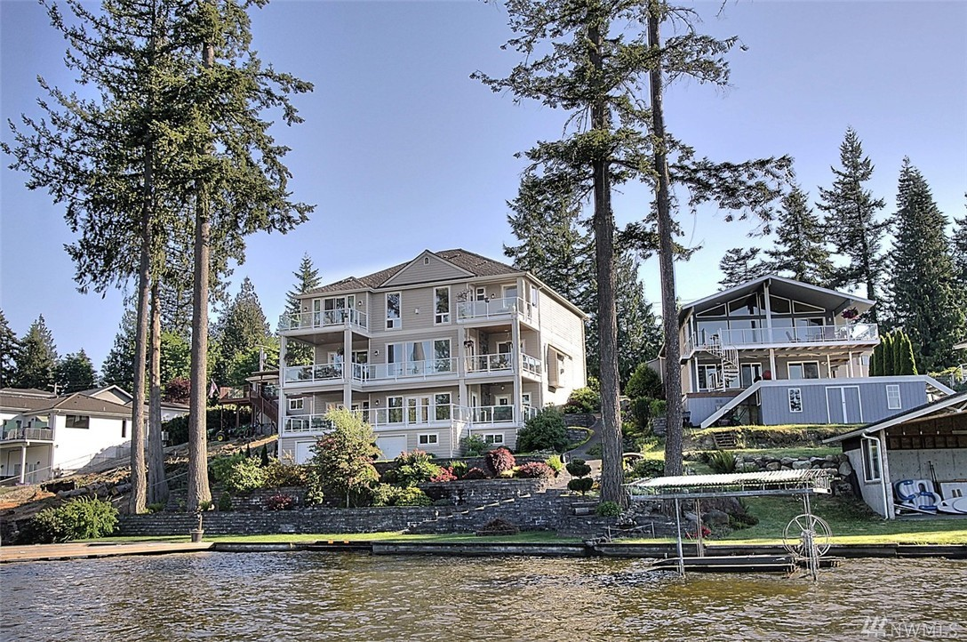 20908 Church Lake Dr E, Bonney Lake, WA 98391